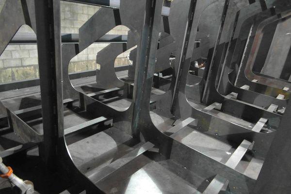 barge-modulaire-1F7F1E5ED-B855-B685-3868-5B8A0FE66FF2.jpg