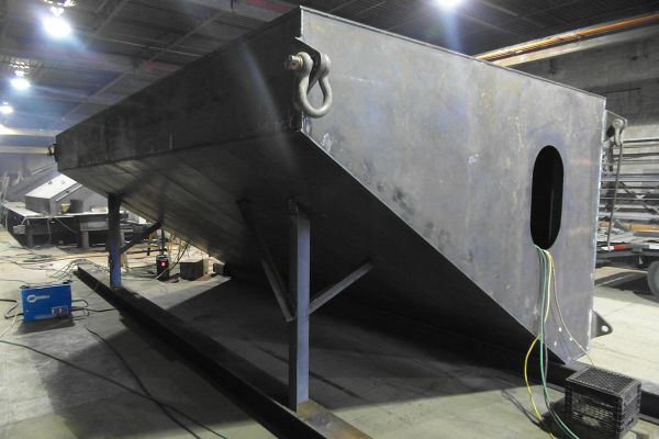barge-modulaire-2B104676F-A63A-5491-6CD2-AE2EF8B5A803.jpg