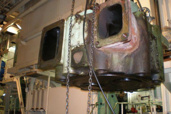 moteur-principal-32686286E-17DE-7405-19D8-43CD23FA951E.jpg