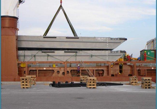 Transport barge