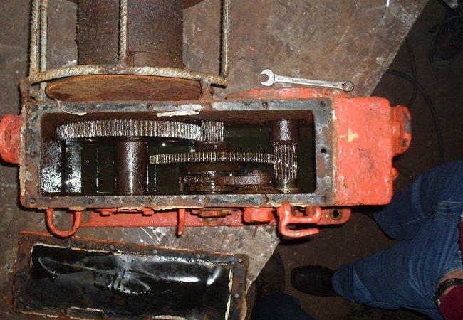Mooring winch maintenance