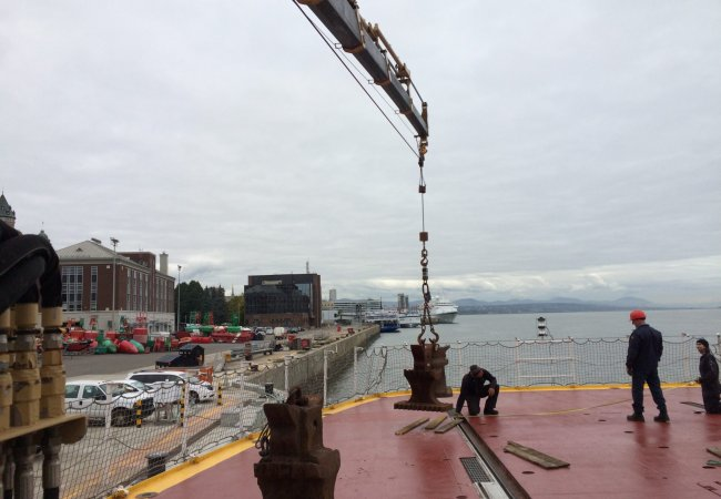 Cranes, winches and anchor chain certification